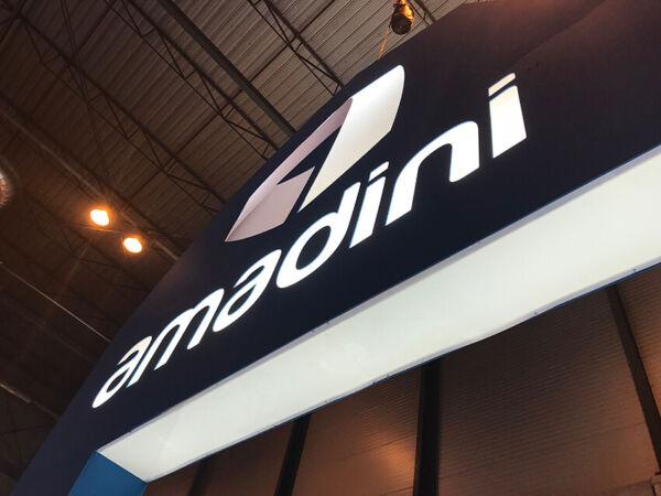 Cajas de luz en el Stand Diseñado por Grupo Ariza para Amadini Motortec 2019 IFEMA Madrid